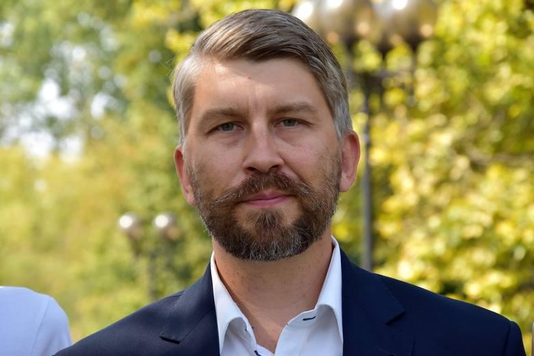 Jarosław Pilc, kandydat Wiosny, apeluje do biskupa opolskiego o utworzenie funduszu dla ofiar przestępstw seksualnych księży