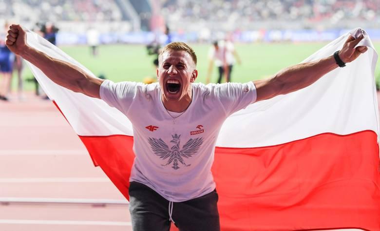 Wtorek na mistrzostwach świata w Doha dał Polakom drugi medal. Brąz w skoku o tyczce wywalczył Piotr Lisek. Wcześniej historyczny wynik osiągnęły nasze