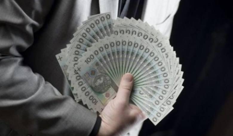"""Na tej tej liście, sporządzonej na podstawie rankingu """"Wprost"""" """"Lista 100 najbogatszych Polaków"""" są przede wszystkim"""