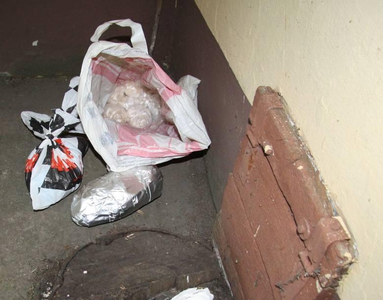 Akcja CBŚ. Trzy osoby podejrzane o handel narkotykami i dopalaczami