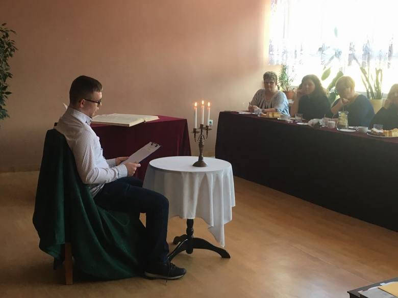 IV Powiatowy Konkurs Pięknego Czytania w Pińczowie. Jury miało bardzo trudne zadanie, uczestniczy zaskoczyli komisję [ZDJĘCIA]