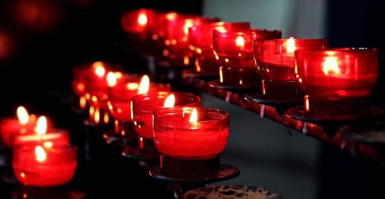 Odeszli na zawsze, trwają w naszej pamięci. W Święto Wszystkich Świętych, jak zwykle publikujemy nazwiska znanych osób z powiatu lipskiego, które w mijającym