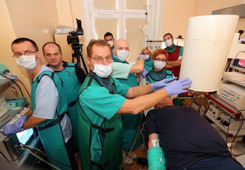 Dzisiaj szpitalu w Zdunowie po raz pierwszy w Polsce wykonano zabieg z wykorzystaniem specjalnych spirali.