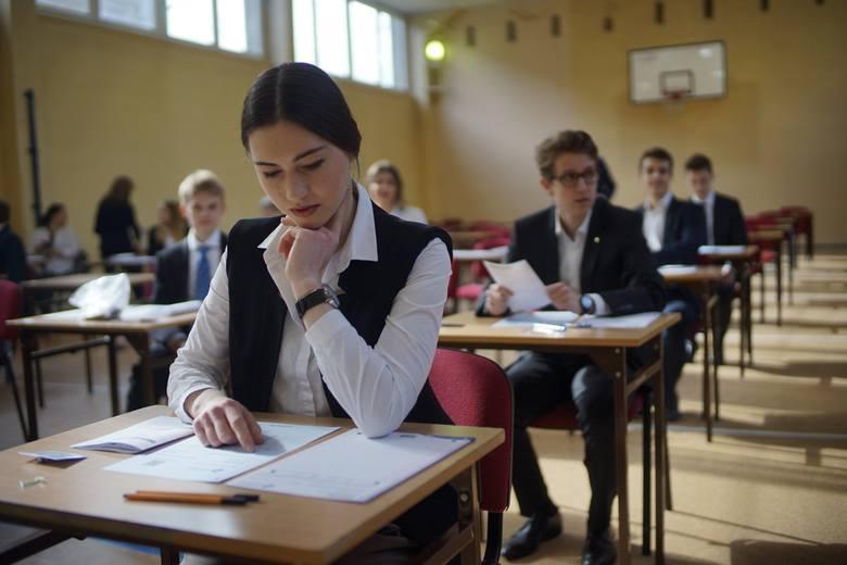 """""""Perspektywy"""" po raz 22. opublikowały ranking najlepszych szkół ponadpodstawowych - liceów i techników. Zobacz, jakie licea w Poznaniu"""