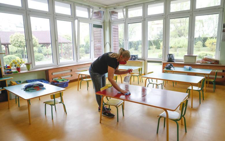 W środę 6 maja w Rzeszowie ponownie otwarte zostają żłobki i przedszkola zamknięte spowodu epidemii koronawirusa. Sprawdziliśmy jak idą przygotowania.