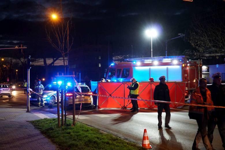 Na ul. Opolskiej niedawno została śmiertelnie potrącona 8-letnia dziewczynka.