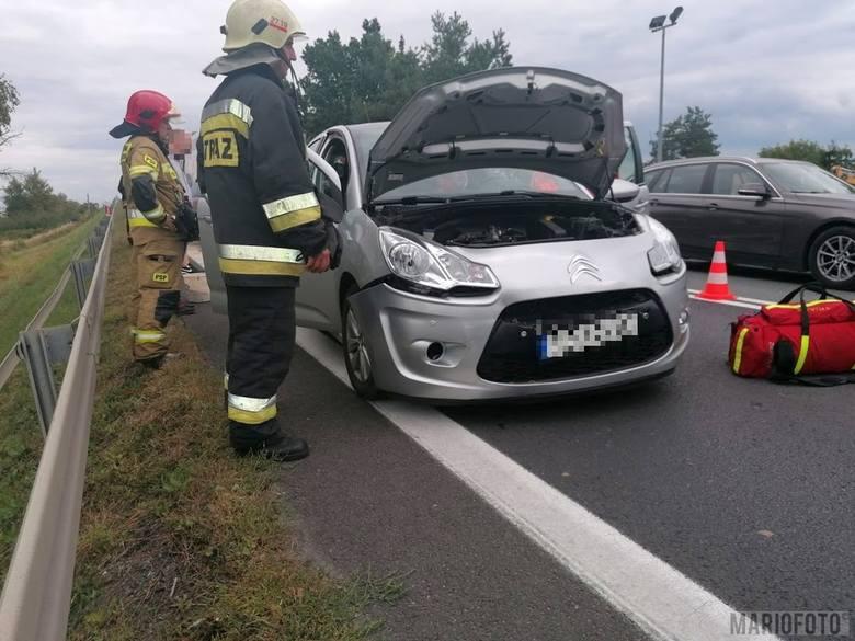 Trzy samochody zderzyły się w Dąbrowie na krajowej 46