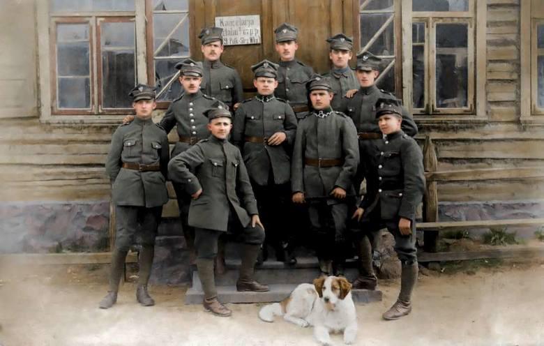 Charakterystyczne rogatywki wielkopolskie sprawiły, że w czasie wojny polsko-rosyjskiej Wielkopolan nazywano rogatymi diabłami.