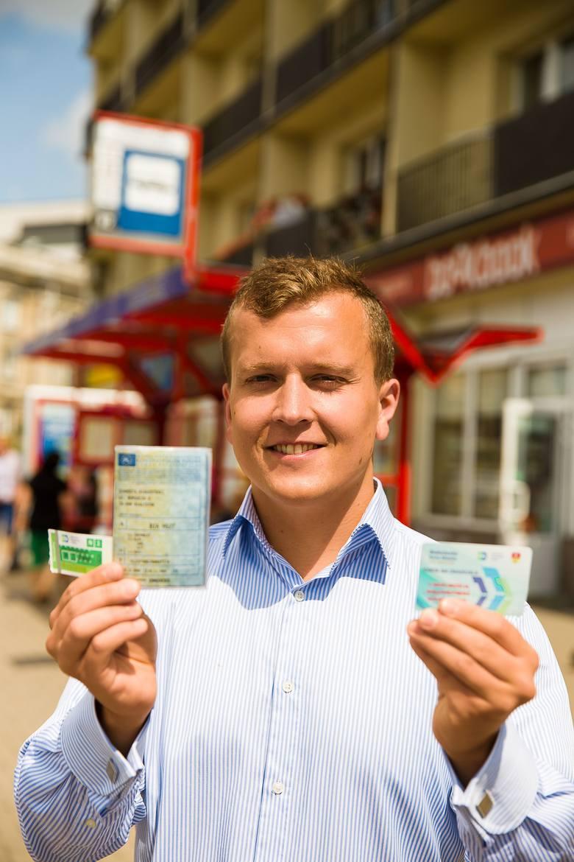 Marek Chojnowski z PiS chce, by dowód rejestracyjny uprawniał do zniżek w komunikacji miejskiej.