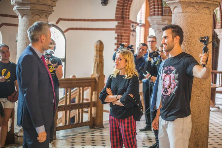 We wtorek w naszym mieście gościli studenci podróżujący po Europie w ramach projektu Road Trip organizowanego przez Unię Europejską. Projekt stanowią