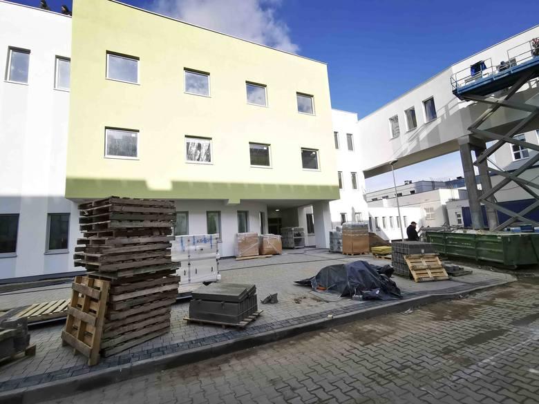 Na parterze nowego, dwupiętrowego budynku, o jaki właśnie wzbogacił się toruński Specjalistyczny Szpital Miejski im. Mikołaja Kopernika, mieścić się