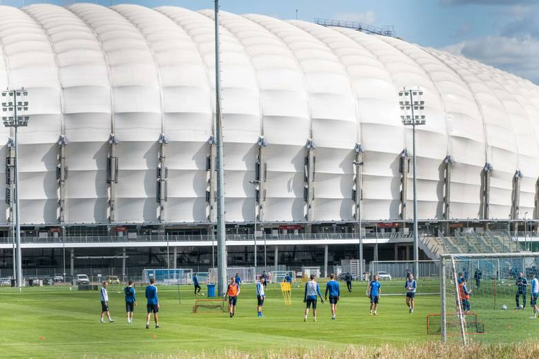 W środę na bocznym boisku przy ulicy Bułgarskiej odbył się pierwszy od ponad dwóch miesięcy trening grupowy Lecha Poznań. Było to możliwe, ponieważ Kolejorz