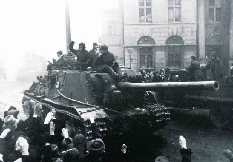 Defilada Ludowego Wojska Polskiego na ul. Piotrkowskiej