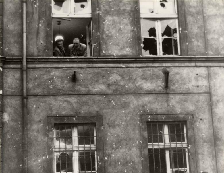 Komenda MO przy Kasprowicza po ataku uczestników konfilktu zielonogórskiego
