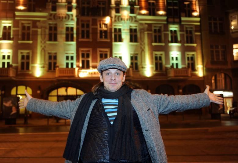 Radosław Elis - aktor filmowy i teatralny, wokalista, od roku 2018 w Teatrze Muzycznym w Poznaniu
