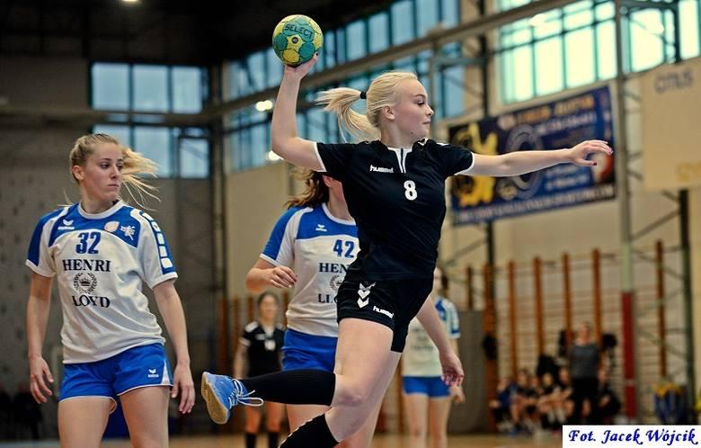 W miniony weekend rozegrano awansem trzy mecze z 4. kolejki spotkań II ligi kobiet. W jednym z nich AZS Politechnika Koszalińska pokonał MKS Brodnica.Wynik