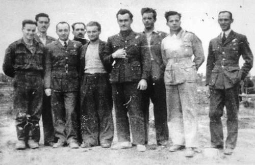 Polscy lotnicy RAF, jeńcy z Żagania. W stalagu było ich około setki