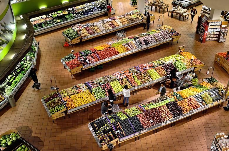 Według Głównego Urzędu Statystycznego żywność w styczniu zdrożała o 1,6 procent miesiąc do miesiąca, najwięcej w początku roku od 10 lat. Rosnąca inflacja