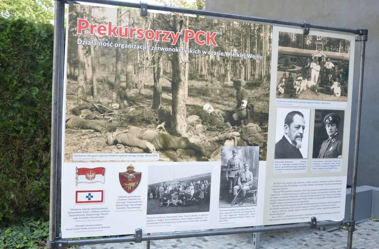 """Wystawa: """"Polski Czerwony Krzyż. Sto lat w służbie Ojczyźnie i ludziom"""""""