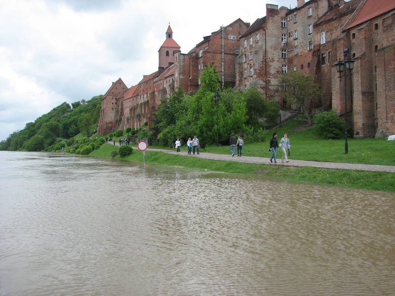 Ćwierć miliona ludzi w Polsce, a ponad 200 mln na świecie będzie zagrożonych katastrofalnymi powodziami. Morze wdzierające się na Żuławy i przecinające