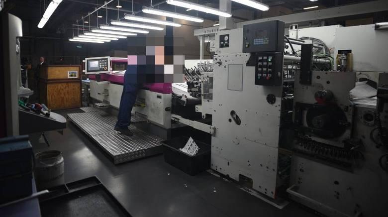 U jednego z pracowników fabryki na Teofilowie wykryto zakażenie koronawirusem. Wczoraj jego kolegów z pracy poinformowało o tym kierownictwo.Czytaj więcej