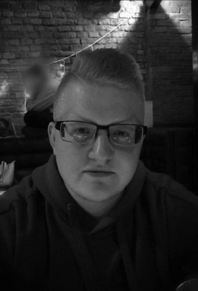 Norbert Płonka (20 lat): Miłość bez poklasku<br /> Myślę, że pojęcie patriotyzmu jest od zawsze niezmienne i jest to nic innego jak miłość do ojczyzny. Na przestrzeni wieków patrioci byli zmuszeni do walki o tą miłość. Dzięki ich poświęceniu i niezłomnej walce, my nie mamy okazji, aby w tak...
