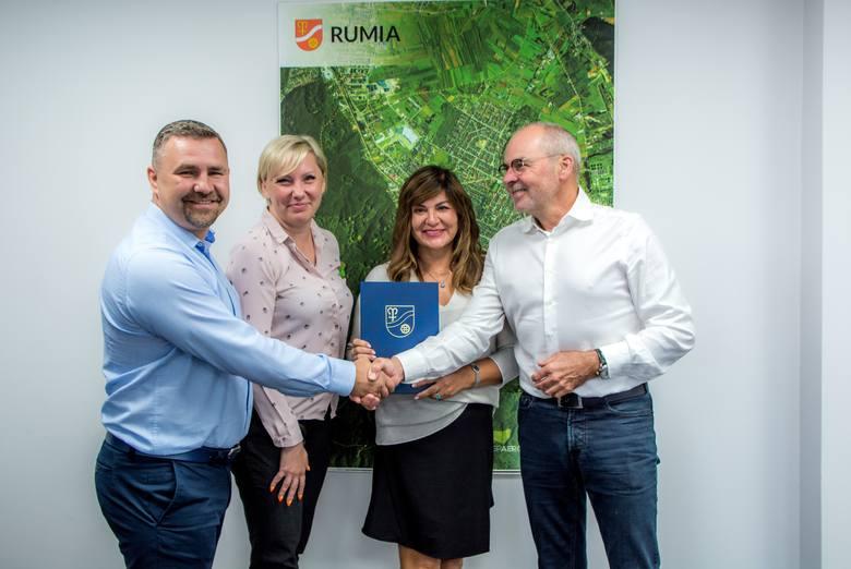 Podpisanie umowy pomiędzy Rumia Invest Park a Atlas Poland