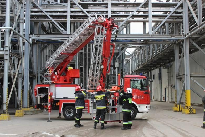 Orla. Wielkie ćwiczenia strażaków fabryce IKEA (zdjęcia)