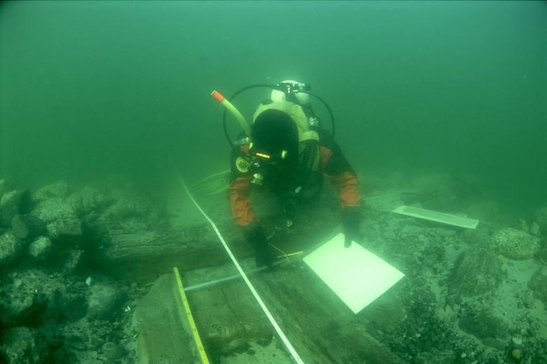 Spoczywający w pobliżu Góry Szwedów wrak żaglowca figuruje w ewidencji archeologów jako F34.2. Poszlaki wskazują, że może to być szwedzki galeon Kristina