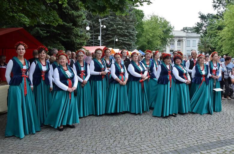 W Inowrocławiu odbył się VII Kujawski Festiwal Pieśni Ludowej. Grand Prix imprezy zdobył Zespół Śpiewaczy Złotniczanki. W kategorii kapele ludowe pierwszą
