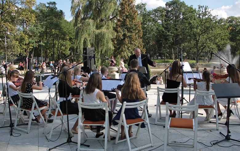 Koncert odbył się w pięknej scenerii Parku