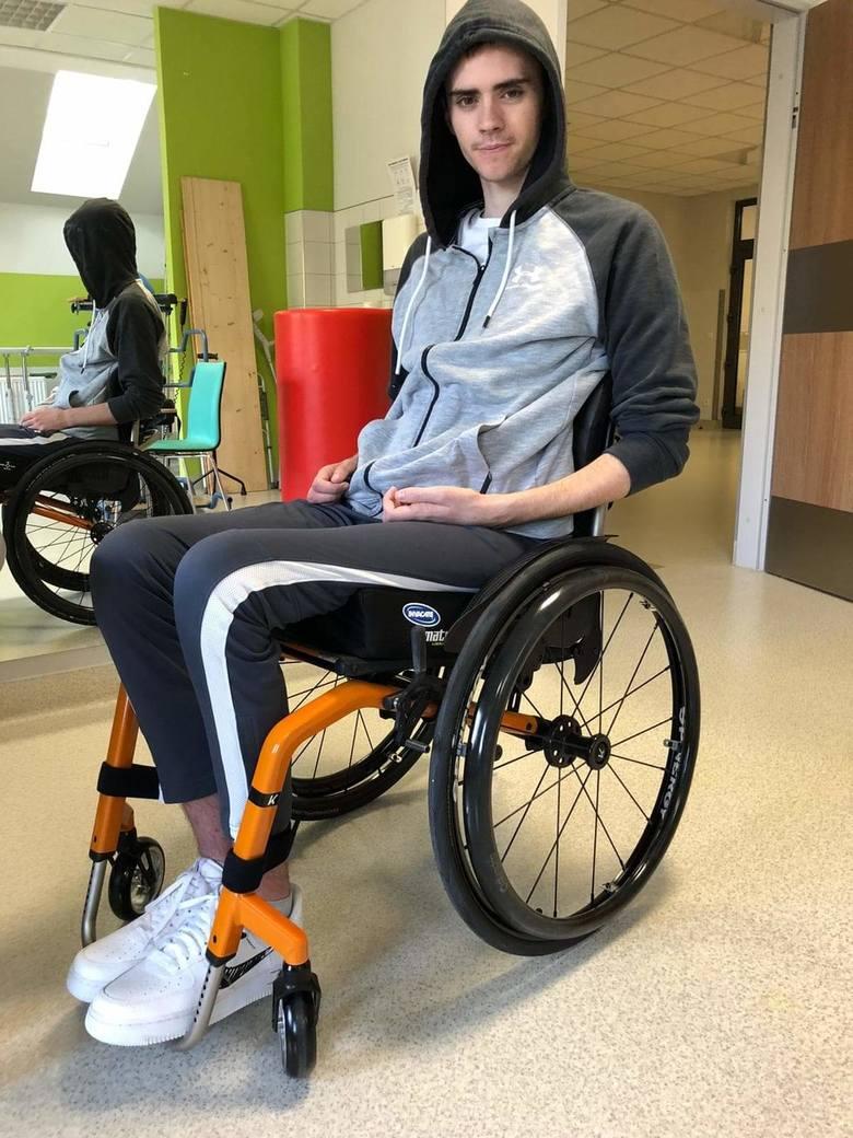 Karol z Łańcuta miał poważny wypadek w trakcie pracy w Szwecji. Nadal walczy o powrót do zdrowia