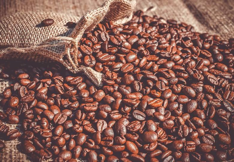Kawa, herbata, ryż czy kasza to produkty, które możesz dostać również na wagę. W wielu domach te produkty i tak są przesypywane do specjalnych pojemników.