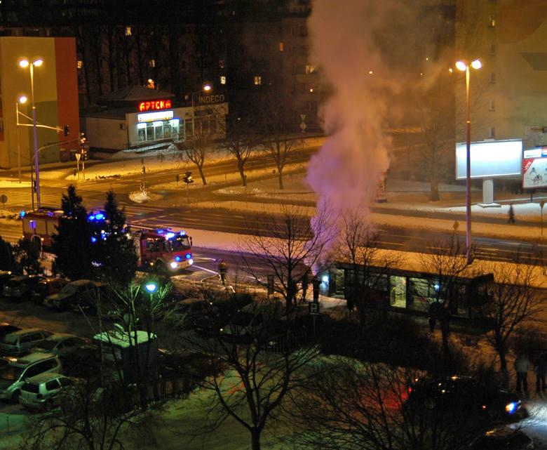 Autobus palił się na ul. Władysława IV w Koszalinie.
