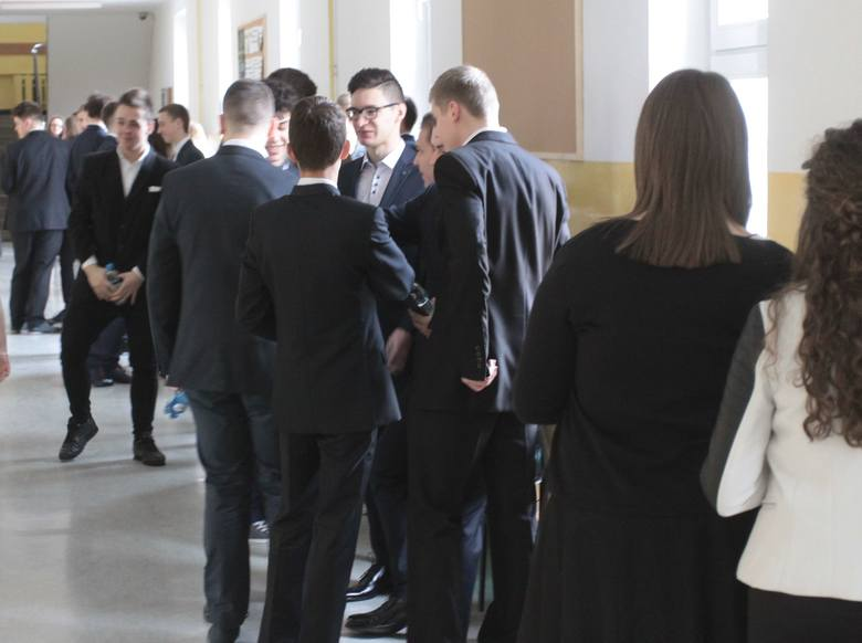 Egzamin Gimnazjalny 2016 w Radomiu. Dziś język polski, historia i WOS
