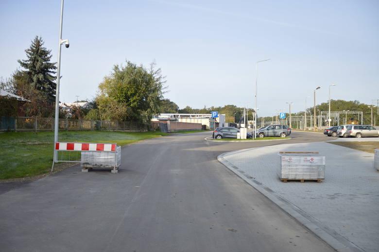 Brzesko. Parking Park&Ride obok dworca kolejowego gotowy [ZDJĘCIA]