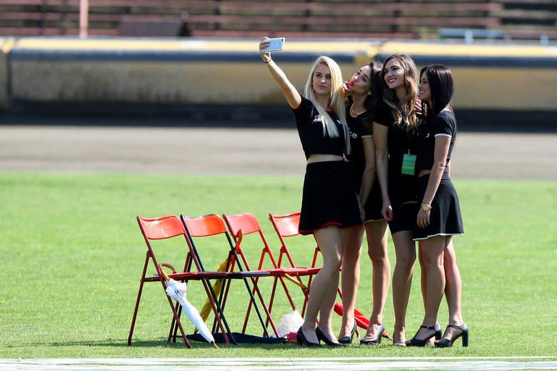 Żużlowa spółka ogłasza casting do Cheerleaders Polonia Bydgoszcz. Ogłoszenie skierowane jest do dziewcząt, które ukończyły 16. rok życia. Osoby zainteresowane