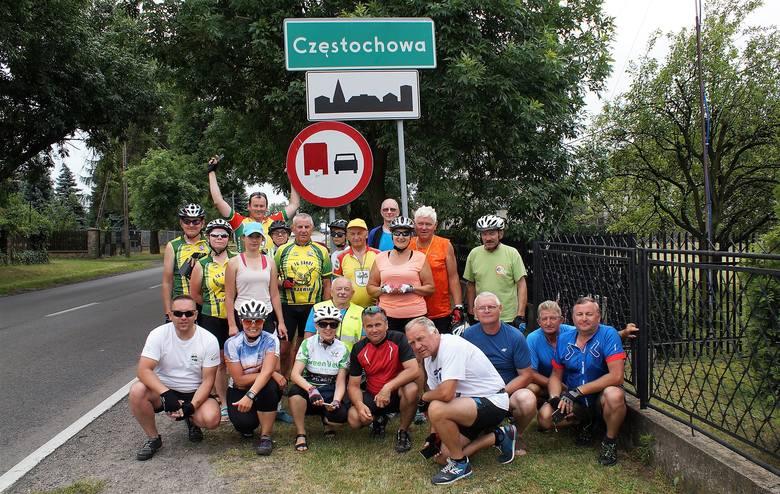 Komisja Turystyki Rowerowej przy Nadgoplańskim Oddziale PTTK w  Kruszwicy była organizatorem wyjazdu na XII Ogólnopolską Pielgrzymkę Rowerową na Jasną