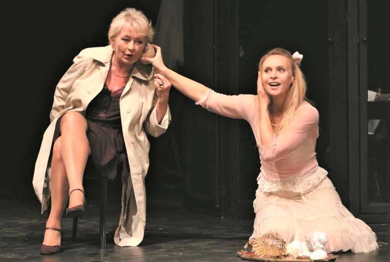 """Spektakl """"Lilka, cud miłości"""" otworzył Grudziądzką Wiosnę Teatralną """"Sex w małym mieście"""" (na zdjęciu Magdalena Zawadzka"""