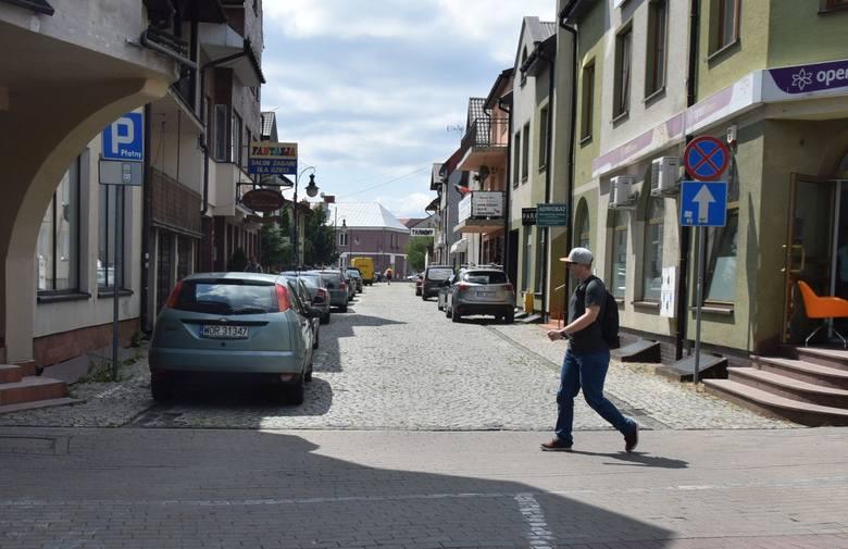 Ostrołęka. Będą ułatwienia dla rowerzystów – śluzy rowerowe i kontrapasy na drogach jednokierunkowych na Starym Mieście