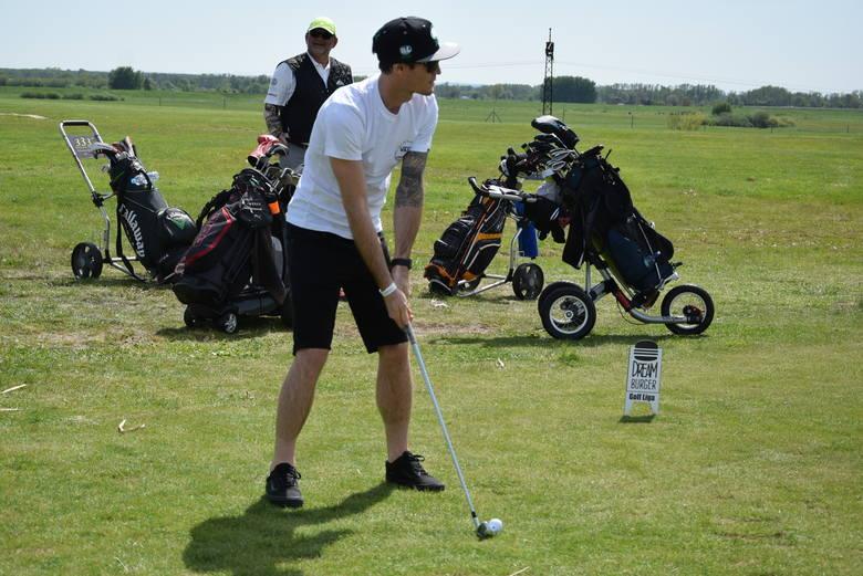 Doyle, Zmarzlik, Protasiewicz i inni żużlowcy zagrali w golfa dla Golloba [ZDJĘCIA]