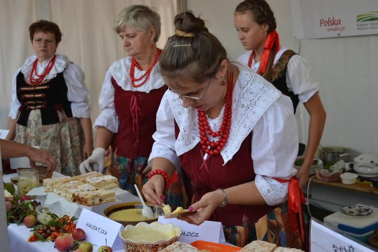 Koła gospodyń wiejskich zarabiają m.in. podczas festynów i jarmarków, kiedy sprzedają swoje wyroby