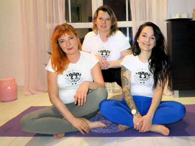 Trzon KGW TeraMiśki, od lewej Karina Marczak-Skirko, Urszula Podłaszczyk, Anna Borowska-Berend