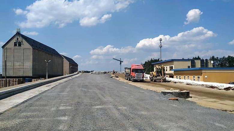 Trwa budowa obwodnicy piastowskiej Opola, która połączy obwodnicę północną z węzłem na ul. Niemodlińskiej.Prace najbardziej zaawansowane są w rejonie