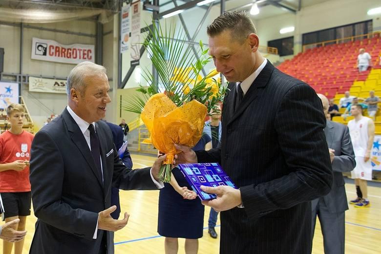 W przeszłości Grudziński grał m.in. w Czarnych Słupsk. Na benefisie był obecny prezes tego klubu Andrzej Twardowski.