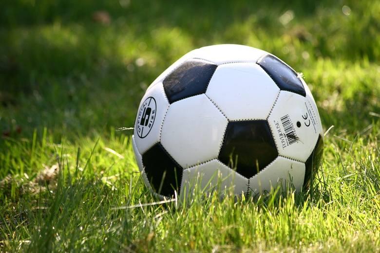 Ktoś włamał się do klubu LKS Cukrownik Tuczno i ukradł wszystkie piłki. Piłkarze nie mają czym trenować
