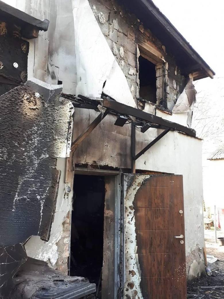 6-osobowa rodzina z Wilkowyi w pożarze straciła dom. Możesz jej pomóc