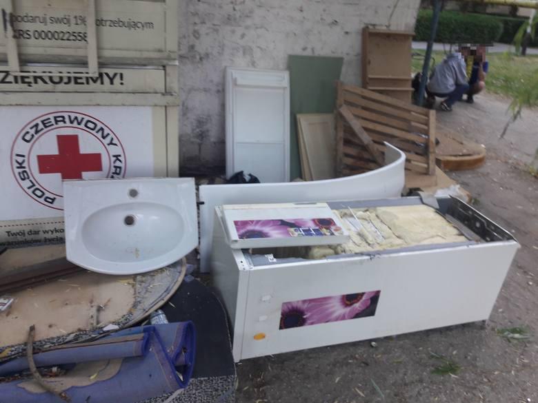 """Centrum osiedla Serbinów w Tarnobrzegu, czyli """"śmieci, smród i... pijaczki"""""""