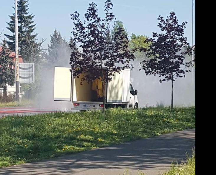 MPK wstrzymało ruchu autobusów na ul. Julianowskiej przy ul. Kochanowskiego w kierunku do ul. Łagiewnickiej o godz. 12. Autobusy są kierowane objazdami