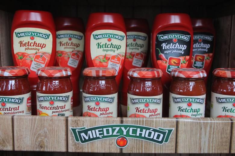 W USA wskutek COVID opyt na jednorazowe saszetki z keczupem diametralnie zwiększył się napędzany trendami dostaw i zakupów, ale linie produkcyjne były